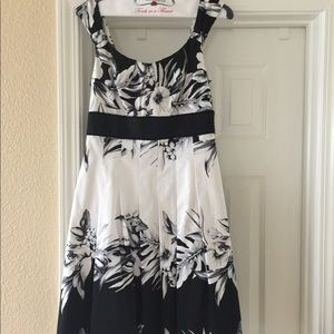 Perfect dress for summer events/weddings